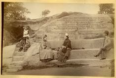 img/gallery/NSW/Sydney as it was/1880 circa. Mrs Macquarie's Chair.jpg