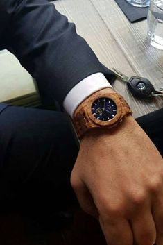 t know what to do to give your outfit a special touch? This is the solution! A unique wooden watch, exclusively handcrafted from natural wood! Wooden Watch, Wood Wood, Handmade Accessories, Natural Wood, Gifts For Him, Watches For Men, Vintage Fashion, Touch, Mens Fashion