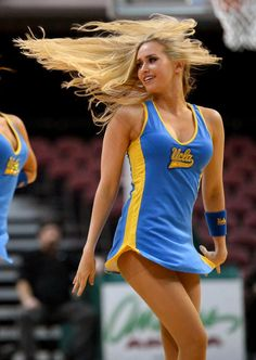 Gorgeous Blonde All American UCLA Cheerleader….Beautiful Girl if she was out on the court I would even cheer for UCLA! College Cheerleading, Cheerleading Pictures, Cheer Pictures, Ucla College, College Basketball, College Hoops, Hottest Nfl Cheerleaders, Football Cheerleaders, Famous Cheerleaders