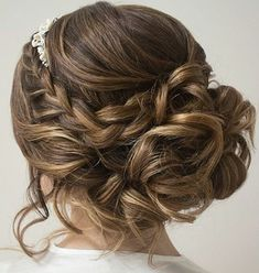 Drop-Dead Gorgeous Wedding Hairstyles, Peinados, These oh so pretty wedding hairstyles might make your heart beat really fast, see the entire gallery below and happy pinning! Wedding Hair And Makeup, Wedding Updo, Hair Makeup, Braided Wedding Hair, Prom Hair Updo Elegant, Fancy Updos, Quinceanera Hairstyles, Homecoming Hairstyles, Pageant Hairstyles