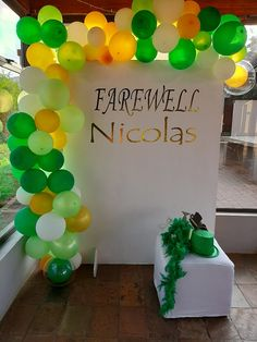 Green and white farewell party  Farewell Parties, Event Management, Activities, Green, Party, Gifts, Presents, Parties, Favors