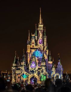 Cinderella Castle, Magic Kingdom, Walt Disney World, Orlando Disney Theme, Disney Love, Disney Magic, Disney Stuff, Disney Vacations, Disney Trips, Disney And Dreamworks, Disney Pixar, Disneyland Paris Noel
