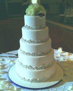 Winter Wedding Cake :: Paula's Patisseries