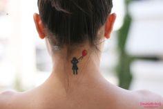 tattoo, neck, baloon, mairy sinatsaki - [imatioθíki]