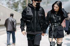 Vogue] our best street style snaps from seoul fashion week : korea Korean Street Fashion, Korean Fashion Kpop, Korean Fashion Winter, Korean Fashion Trends, Asian Fashion, Style Fashion, Korean Street Styles, Fashion Styles, Fashion Women