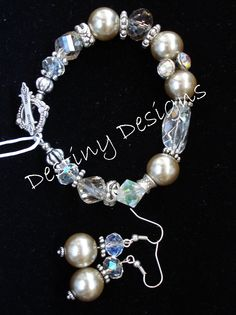 clear beads and perl bracelet