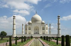 Trip Corner is offering the best One Day Taj Mahal Tour Package in India at very affordable price. Here you can also book Same Day Taj Mahal Tour Packages Online in India. Jaipur, Le Taj Mahal, Agra Fort, Empire Romain, India Tour, India India, Delhi India, Seven Wonders, Vacation Places