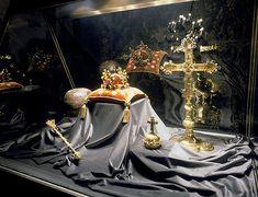 The Czech Coronation Jewels / Ceske korunovacni klenoty Royal Crowns, Crown Royal, Kingdom Of Bohemia, Heart Of Europe, Most Beautiful Cities, Central Europe, Crown Jewels, Czech Republic, Travel Around The World
