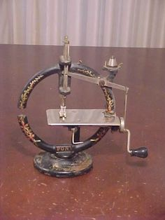 """about Treadle Singer Sewing Machine Cast Iron Base With Butcher Block Top Early Cast Iron """"Pony"""" Sewing MachineEarly Cast Iron """"Pony"""" Sewing Machine My Sewing Room, Sewing Box, Love Sewing, Sewing Tools, Sewing Machines Best, Antique Sewing Machines, Vintage Sewing Notions, Vintage Sewing Patterns, Sewing Hacks"""