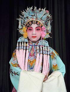 «Opera»: Студенты Пекинской оперы  в традиционных костюмах. Изображение №14.