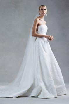 Oscar de la Renta Fall 2017 Bridal.
