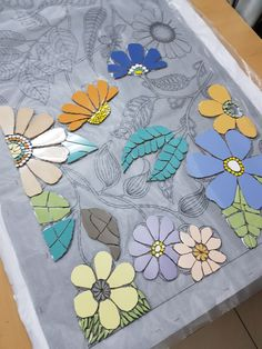 Getting to Know Brazilian Embroidery - Embroidery Patterns Sea Glass Mosaic, Mosaic Pots, Mosaic Diy, Mosaic Garden, Mosaic Crafts, Mosaic Projects, Mosaic Tiles, Fused Glass, Stained Glass