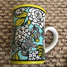 Vera Bradley Coffee/tea Mug Vera Bradley coffee/tea mug in retired pattern Island Blooms. Comes with the lid. Never used to drink out of I used it as a decoration on my desk. Vera Bradley Accessories