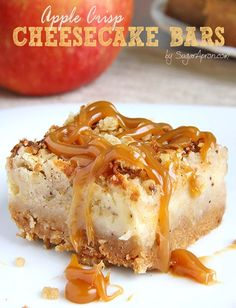 caramel apple cheesecake These Caramel Apple Crisp Cheesecake Bars are ideal choice in the autumn season, but also during holidays, which are knocking on the door. Fall Dessert Recipes, Apple Desserts, Köstliche Desserts, Apple Recipes, Bar Recipes, Caramel Recipes, Health Desserts, Plated Desserts, Delicious Recipes