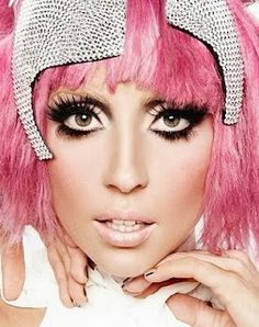 I immediately think of Twiggy when I see this- beautiful!  the beauty 411: GaGa for Billy B-rilliant!