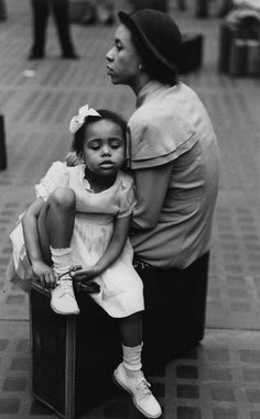 Ruth Orkin, Mother and Daughter, Penn Station, New York City, 1947.