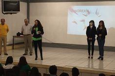 Personal de la Secretaría de Igualdad Sustantiva y Desarrollo de las Mujeres Michoacanas (Seimujer), atendió a un grupo de 76 estudiantes, a quienes posterior a la charla informativa ofrecieron atención ...