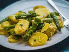 Egy finom Zöld spárgás burgonyasaláta ebédre vagy vacsorára? Zöld spárgás burgonyasaláta Receptek a Mindmegette.hu Recept gyűjteményében!