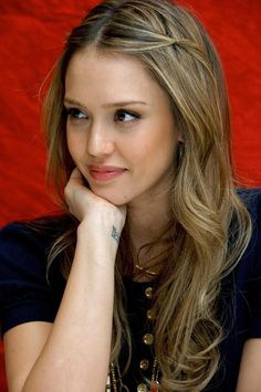 Jessica Alba and her hair. Jessica Alba Style, Cabelo Jessica Alba, Jessica Alba Makeup, Corte Y Color, Hair Day, Pretty Hairstyles, Her Hair, Hair Inspiration, Hair Color