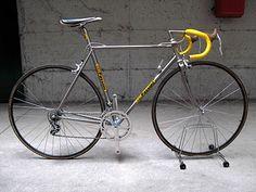 Clan: Passoni Animus Titanium vintage  http://ciclistilombardianonimi.blogspot.it/2012/08/passoni-animus-titanium-vintage.html#