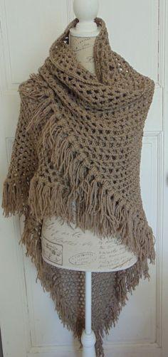 Grote gehaakte omslagdoek bruin tweed van TheLavenderBarn op Etsy