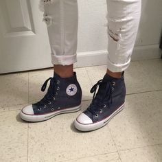 f608675e6321 T9 Converse Wedges Brand new Chuck Taylor All Star Lux Wedges without a  box. Converse