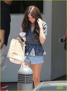 Selena Gomez                                                       …