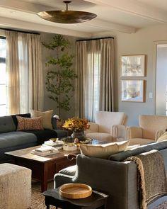 Formal Living Rooms, Home Living Room, Living Room Designs, Living Spaces, Living Room Inspiration, Home Decor Inspiration, Interior Decorating Styles, Interior Design, Decorating Ideas