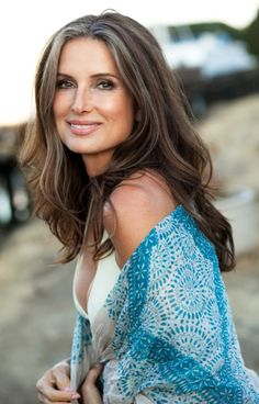 40 Classy Hairstyles for Older Women over 50 - Comb And Scissors - 40 Classy Hairstyles for Older Women over 50 – Comb And Scissors - Classy Hairstyles, Hairstyles Over 50, Older Women Hairstyles, Pretty Hairstyles, Short Hairstyles, Long Gray Hair, Dark Hair, Beautiful Old Woman, Gorgeous Women