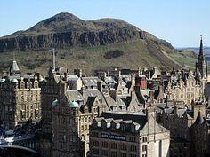 Edinburgh - Arthur's seat     Napier:  Mítica universidad de Edinburgh, Escocia.     Edimburgo es un núcleo cultural con mucha historia, un patrimonio extraordinario y es una de las ciudades más visitadas del Reino Unido, muy amistosa con los estudiantes internacionales. El centro de la ciudad es Patrimonio de la Humanidad de la UNESCO.    #WeLoveBS #inglés #idiomas #Edinburgh #Edimburgo   #ReinoUnido #RegneUnit #UK  #Scotland #Escocia