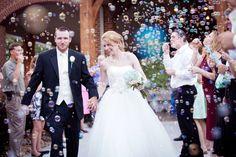 Te presento 12 mandamientos para organizar una boda con buen gusto ¡Toma nota! http://elblogdemariajose.com/doce-mandamientos-para-una-boda-con-buen-gusto/ #bodas #elblogdemaríajosé #weddings