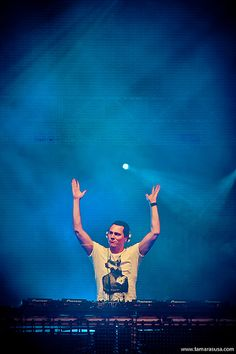 Tiesto will be partying with us in Cancun and in Puerto Vallarta this year!!