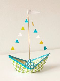 Ideen für Origami Boat Tutorial Diy - Origami Ideen für Origami Boat Tutorial Diy - Origami - how to fold a paper boat Kids Crafts, Boat Crafts, Diy And Crafts, Craft Projects, Mobil Origami, Origami Paper, Origami Design, Origami Tutorial, Diy Tutorial
