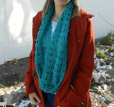 Free Crochet Pattern: Cube Infinity Scarf- Grow Creative ༺✿Teresa Restegui http://www.pinterest.com/teretegui/✿༻