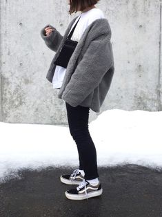 ファッション ファッション in 2019 Korean Airport Fashion, Korean Outfit Street Styles, Korean Girl Fashion, Korean Outfits, Aesthetic Fashion, Aesthetic Clothes, Winter Fashion Outfits, Autumn Fashion, Cute Casual Outfits