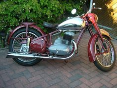 Classic Road Bike, Classic Bikes, Road Bikes, Bobber, Bicycles, Cars And Motorcycles, Motorbikes, South Africa, Engine