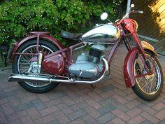 Classic Road Bike, Classic Bikes, Road Bikes, Bobber, Motorbikes, South Africa, Engine, Paint, Cars