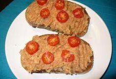 Jak připravit pomazánku bramborový tatarák | recept Starters, Quiche, Hamburger, Salsa, Muffin, Food And Drink, Toast, Cooking Recipes, Snacks