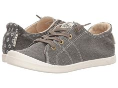Roxy Rory Bayshore (Olive) Women's Lace up casual Shoes Create the perfect laid-back vibe with the Casual Sneakers, Casual Shoes, Roxy Shoes, Smart Styles, Free Clothes, Lace Up, Heels, Memory Foam, Note