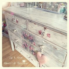 Dressing Table makeover ❤️ #dressingtable #makeover #shabbychic #paintedfurniture #chalkpaint #paint #distress #decoupage #napkin #roses #flowerpower #flowers #floral #makepretty #create #design #update #diyonabudget #interior #interiordesign #bedroom #dowhatyoulove #lovewhatyoudo #homesweethome #oldandnewhomestyleboutique