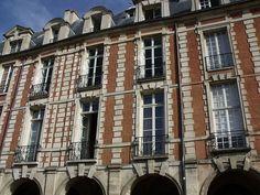 Ancien hôtel du Cardinal de Richelieu, ou hôtel de Bassompierre : monument historique à Paris 03 | MyOpenWeek Paris, Multi Story Building, Brogue Shoe, Montmartre Paris, Paris France