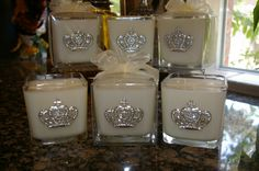 The oh so southern Sweet Magnolia with Silver Crown! Wonderful!  Large 3 wick cube ~ burn time 120hrs.
