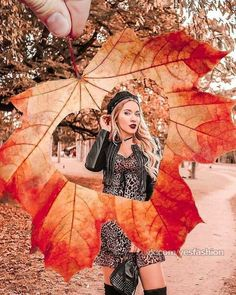 (notitle) The post appeared first on Fotografie. Studio Photography Poses, Creative Portrait Photography, Creative Portraits, Girl Photography, Halloween Photography, Autumn Photography, Fall Family Pictures, Fall Photos, Mode Poster