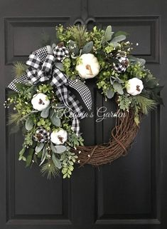 Find Your Style: 37 Fabulous Fall Wreaths - Dekoration - Fall decor ideas White Wreath, Diy Fall Wreath, Wreath Ideas, Winter Wreaths, Spring Wreaths, Summer Wreath, Holiday Wreaths, Fall Burlap Wreaths For Front Door, White Christmas Wreaths