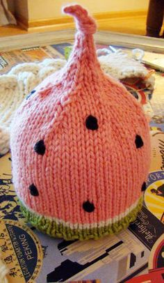 Spud and Chloe free watermelon hat pattern Knitting For Kids, Loom Knitting, Knitting Patterns Free, Knit Patterns, Free Knitting, Knitting Projects, Baby Knitting, Crochet Projects, Free Pattern