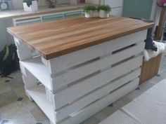 creative & gorgeous wooden palette kitchen island ideas – living design – Famous Last Words Diy Pallet Projects, Pallet Ideas, Wood Projects, Pallet Kitchen Island, Pallet Island, Wooden Island, Wooden Kitchen, Vintage Kitchen, Palette Deco
