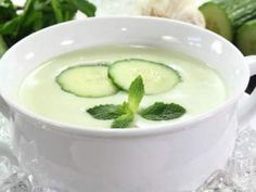 Sopa fría de yoghourt y pepino. Hidrátate en verano con un coctel de vitaminas. Ideal para comidas de fase de inducción.