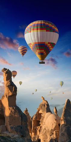 99 Breathtaking Places You Must Visit Before You Die ) ) Cappadocia, Turkey Air Ballon, Hot Air Balloon, Balloons Photography, Nature Photography, Romantic Places, Beautiful Places, Travel Photographie, Cappadocia Turkey, Cappadocia Balloon