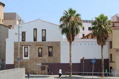L'Escola Vedruna Àngels és una escola d'una línia situada al Raval de Barcelona. Aprofitant la celebració de la Festa de la Terra, que aquest curs tenia com a centre d'interès el Consum Responsable, hem preparat un projecte col·laboratiu pels alumnes de 6è de Primària  on s'han treballat diversos aspectes relacionats amb el tema. L'activitat ha durat 2 setmanes, utilitzant al voltant d'unes 18 hores setmanals.