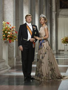 April 2018 ~ Today the Dutch Royal Court has released new state photographs of King Willem-Alexander and Queen Máxima. Royal Tiaras, Royal Jewels, Erwin Olaf, Estilo Real, Dutch Royalty, Queen Maxima, Royal House, Bridesmaid Dresses, Wedding Dresses
